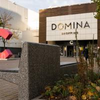 """""""Domina Shopping"""" investē 120 tūkstošus eiro ģimenēm draudzīga centrālā skvēra labiekārtošanā"""