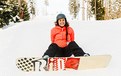 Daces Alpas 4 padomi, kā izvēlēties slēpošanas un snovošanas apģērbu bez piemērīšanas